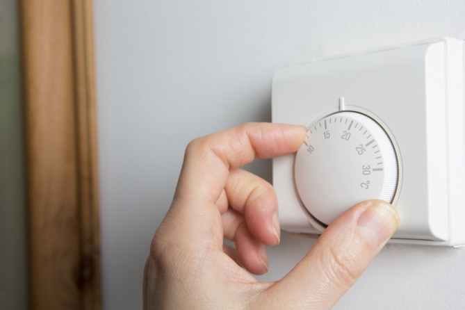 setting a thermostat in a brantford home for sale